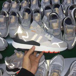 Zapatillas para caminar online-Con caja Hombres Nite Jogger Boost Zapatos para correr Moda Retro CG7088 3M Popcorn Designer Zapatos Deporte Casual Caminar Aire libre Zapatillas deportivas