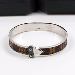 new fashion girls gold bracelet Promo Codes - New Arrival L Letter Famous Designer Plaid old pattern single arrow fashion bracelet For Wedding Gifts Women Girl Bangles