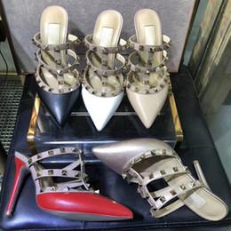 V sandálias on-line-Mulheres sandálias de salto alto sapatos de casamento de couro Rebites Sandálias Das Mulheres Cravejado Tiras Vestido Sapatos v sapatos de salto alto + logotipo + box34-41