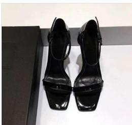 Sandali gladiatore in pelle verniciata rossi neri Donna Scarpe con tacco alto in metallo uniche Scarpe con cinturino alla caviglia di marca famosa Scarpe da sposa originali 201977 da scarpe rosse scarpe sandali fornitori
