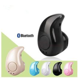 micrófono inalámbrico invisible para el oído Rebajas Mini Bluetooth V4.0 S530 se divierten los auriculares estéreo de auriculares en la oreja los auriculares de oído invisible micrófono integrado con la caja al por menor
