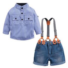 ragazze bretelle blu Sconti New Fashion Estate Neonati maschi Denim Sets Abbigliamento Blu a righe Camicie casual + Pantaloncini bretelle Jeans Pantaloni 2PC Abiti per bambini