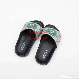 billige mädchen hausschuhe Rabatt Kind Pantoffel Jungen Haus Kleid Hausschuhe Schuh Mädchen schwarz billige Sandalen Lederschuhe für Jungen Mädchen Kleid Eu 26-35