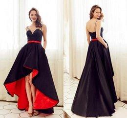 Vestidos fiesta alto baixo vestido de formatura on-line-Modest preto e Redd uma linha de alta Vestidos Low Prom com bolsos cintas de espaguete cetim Vestidos Sexy Back vestidos de fiesta