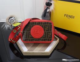bolsa amarilla de la cámara Rebajas Las nuevas señoras de la moda cargan con el hombro el bolso colgado de la cámara color de la tendencia a juego las señoras del bolso de cuero del diseñador rojo rojo amarillo negro número: 0997