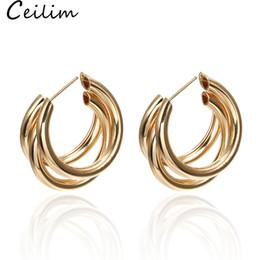 2019 silberne schmuckentwürfe Trendy Simple Design Runde Form Creolen Metall Wind Brief C-Form Ohrringe Für Frauen Silber Gold Braut Modeschmuck Großhandel günstig silberne schmuckentwürfe