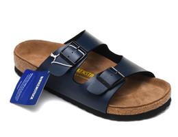 Canada Birkenstock Sandals Pantoufles En Liège Hommes Chaussures d'été Noir Gris Bleu Blanc Femmes Tongs Cuir verni Pantoufles en cuir mat cheap eva mat blue Offre