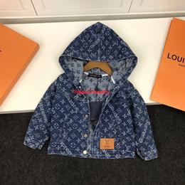 Kinder Kapuzenjacke Boy Designer Kleidung Herbst Kapuzenjacke alte Blume Alphabet Design gewaschen Denim Stoff jacket201919 von Fabrikanten