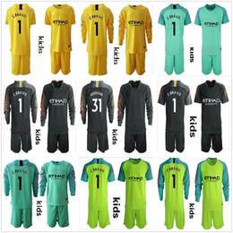 c uniforme Rebajas 2018 2019 Long Kids City Goalkeeper Jerseys Juvenil Claudio Bravo Goalkeeper Jersey C. Bravo # 31 Ederson Child Goalkeeper Soccer Sets Uniforme