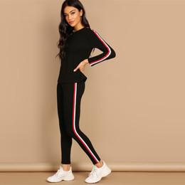 Schwarzes gestreiftes langarmt-stück online-Streetwear Black Striped Tape T-Shirt Hose Langarm Rundhals Set Damen Zweiteiler 2019 Autumn Plain Twopiece