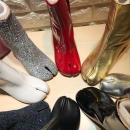 Banda de lujo de Cuero Genuino Ronda Dividir Toe Elástico Botines Bling Laser Lentejuelas Partido Tabi Botas de tacón alto zapatos de mujer desde fabricantes
