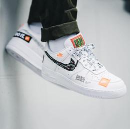 DESIGNER 090.502 Nike Air Force 1 Low 07 PRM RETRO JUST DO IT JDI Orange Schwarz Weiß SNEAKERS Sport-laufende Schuhe von Fabrikanten