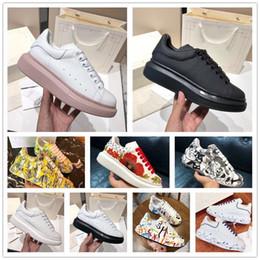 2019 beste Qualität Graffiti Männer übergroßer Designer Schuhe Luxus berühmte Schuhe Partei Paris Designer Turnschuhe mit breiten gemalten Sohlen der
