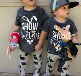 Coelhinho da páscoa on-line-Easter Kids Baby Boy roupas Baby girl Mostre-me o Coelho Letras Conjunto de roupas T shirt + Bunny pant 2 pcs 2019 Verão
