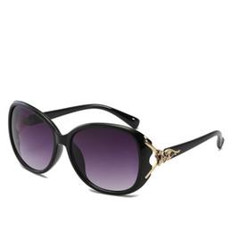 Spiel Frauen Markendesigner Hohe Qualität Vintage Sonnenbrille Damen europäischen und amerikanischen wunderschönen Sonnenbrille großen Rahmen Fuchs Kopf Brille von Fabrikanten