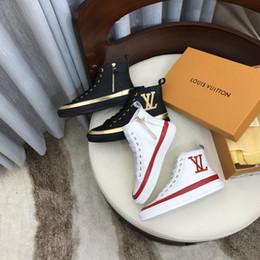 Freies Verschiffen der neuen Frauen Luxusfreizeitsportschuhe Mode Marke Herbst und Winter Top-Design High-Top-Schuhe der Frauen Größe: 35-40 DH von Fabrikanten