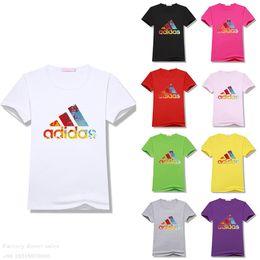 Canada Mode Designer Streetwear Impression Design T-shirts Femmes Manches Courtes Coton Homens Casual T-shirts Respirant Femmes Hauts Offre