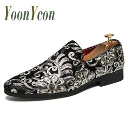Loafer stilvolle beiläufige schuhe online-Luxus Designer Schuhe Stickerei Herren Schuhe Kleid Slip-On Fashion Loafers für Männer Stilvolle Abendschuhe Casual Sneakers