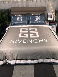 Blau graue bettwäsche gesetzt online-Queen-Size-Rabatt Bettwäsche-Sets Fashion Design Print 4G Beliebte Logo Bettdecke Grau Tröster Abdeckung mit blauem Kissenbezug