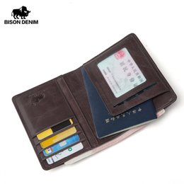2019 billige passbörsen Günstige Brieftaschen BISON DENIM Männer Geldbörse Aus Echtem Leder Passdecke Münzfach ID Visitenkartenhalter Reiseguthaben Brieftasche Für Männer W9445 rabatt billige passbörsen