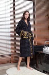 pijamas laranja mulheres Desconto Clássico de luxo Signage V marca 100% algodão Egípcio impresso para homens e senhoras Casa Desgaste Da Moda Roupas novas chegam
