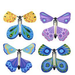 fliegen spielen Rabatt Neue 3D-Magie fliegenden Schmetterling DIY Novel Spielzeug Magie verschiedenen Spielmethoden Schmetterling Requisiten LA66 Zaubertricks