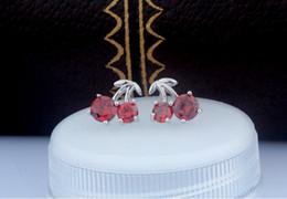 Frutta di ciliegia rossa online-orecchini ragazze standard s925 gioielli in argento per donna signora frutta ciliegia piccola zirconia rossa dolce kawaii popolare 2019 souvenir 10x9mm 6 paia