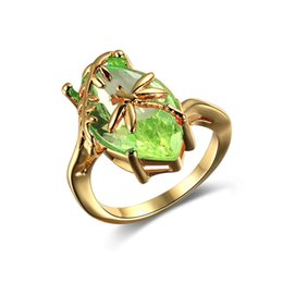 pedras verdes azeitonas Desconto Criativo Libélula Anel Verde Para As Mulheres Jóias Azeite de Oliva Anéis de Cubic Zircon Anéis de Casamento Noivado Requintado Jóias
