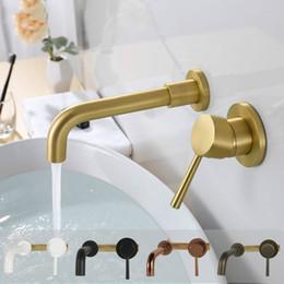 rubinetto d'oro montato a parete Sconti Miscelatore per lavabo a muro in ottone massiccio Rubinetto per bagno in ottone cromato lucido in oro nero Maniglia singola in miscelatore per acqua a parete