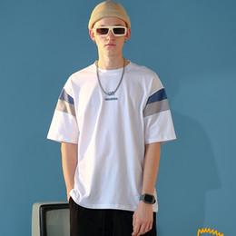 Camiseta para hombre imprimiendo nuevos diseños online-2019 camiseta para hombre de verano nueva moda camiseta de manga corta con estampado de letras para hombres, ropa de diseño, manguito de color a juego, empalme de alta calidad