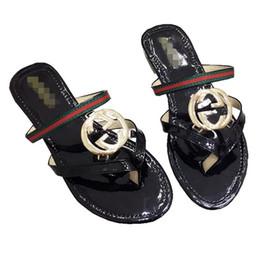 impermeabilización de látex Rebajas Chanclas para el tiempo de playa Marca de diseñador Zapatillas de playa Sandalias de tiras para pisos de verano Diapositivas Sandalias impermeables Zapatos de diseño para dama