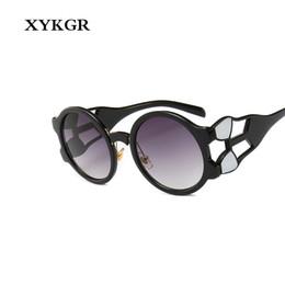 XYKGR Señoras Gafas de Sol Retro Diseñador de la Marca Marco Negro Gafas  Redondas Venta Caliente Clásica Gafas Graduadas Gafas UV400 9e2560e4e429