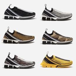 Strass preto apartamento on-line-Tênis De Designer Sorrento Com Cristais De Strass Mens Slip-on Sneakers Stretch Malha Preto Branco Vermelho Glitter Runner Flat Trainers US5-12