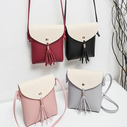 2019 coreia do sul bolsas Nova moda Japão e Coreia do Sul móvel saco do telefone bolsa de borla ombro diagonal saco quadrado único desconto coreia do sul bolsas