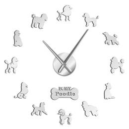 horloge grosse main Promotion Caniche Grande Main Horloge Murale Moderne Caniche Chien Diy Géant Horloge Murale Salle À Manger Décor Miroir Effet Bricolage Grand A