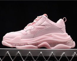 Scarpe da logo rosa online-2019 new high quality luxury designer shoes Balenciaga Triple S with logo pink female models old dad shoes