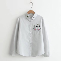 2019 ko Patch Designs Katze Stickerei Tasche Frauen Shirt Langarm Weißes Top Kawaii Peter Pan Kragen Lässige Bluse Baumwolle Studenten rabatt ko