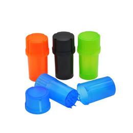 Accesorios de tabaco baratos online-Plástico barato Tabaco amoladora 3 partes fumadores amoladora con Med Container trituradora Caja de almacenamiento accesorios de fumar CCA11866-C 120pcs