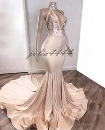 2019 bianco vedere attraverso la gonna lunga 2019 Prom Dresses with Sliver Appliqued Mermaid South Africa Abito da sera formale Halter Neck Sweep Train Occasioni Abiti da festa