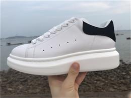 2019 desenhador de moda para homens Barato Designer De Luxo Homens Sapatos Casuais Barato Melhor Alta Qualidade Das Mulheres Dos Homens de Moda Sapatilhas Sapatos de Plataforma Do Partido Sapatilhas De Veludo Sapatilhas desconto desenhador de moda para homens