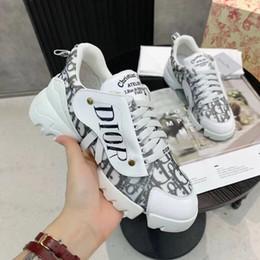 2020 chaussures de sport direct Usine de vente directe de haute qualité 2020 printemps couture en peau de mouton chaussures plates occasionnels de sport pour femmes chaussures 35-41 chaussures de sport direct pas cher
