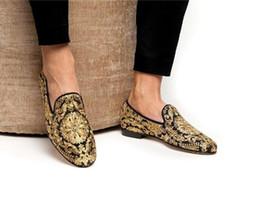 65ca3816 Zapatillas de lona de oro bordadas a mano con adornos de cristal Pisos  florales Zapatos mocasines casuales en venta
