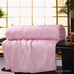 шелковый одеяло король Скидка 100% шелковое одеяло шелковицы / одеяло / одеяло для зимы / лета король / королева / двойной размер белый и розовый одеяло ручной работы быстрая доставка