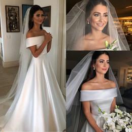 vestido celta barato Desconto Elegante Beteau Pescoço A Linha de Vestidos de Noiva 2020 Fora Do Ombro Trem da Varredura Vestidos de Noiva de Casamento Com Botões Voltar