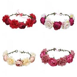 Vestido de noiva de flor rosa branca on-line-Noiva Emulação Grinalda Artificial Rose Flor Simulação Floral Hoop Vestido Garland Decoração de Casamento Branco Azul Exquisite 7 55jy C1