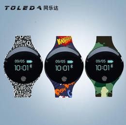 telefon uhrenmarken Rabatt Brandneu Smart Watch Bluetooth Smartwatch mit Kamera-Touchscreen SIM-Kartensteckplatz Wasserdichte Telefone Cartoon Alphabet Silikagel Uhr