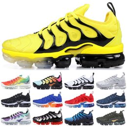designer yellow sandals Coupons - 2018 tn plus triple black running shoes tn 2018 sneaker best quality with box fashion man fashion luxury mens women designer sandals shoes
