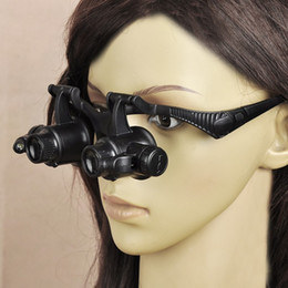Canada Freeshipping Porter une loupe LED lampe lunettes bijoux une loupe pour regarder la réparation de montres anciennes 4 ensembles de lentilles Offre