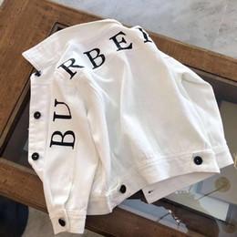 Jeans blanc en Ligne-2019 filles vestes style adolescents vêtements de mode garçons blancs manteaux vêtements pour enfants enfants Jean Jacket livraison gratuite