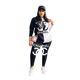 fashion womens sweatshirt wholesale Promo Codes - Womens outfits long sleeve 2 piece set tracksuit jogging sportsuit shirt leggings outfits sweatshirt pants sport suit women clothes klw2118